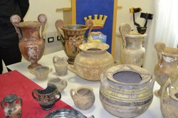 Italian police seizes huge haul of illicit antiquities